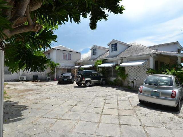 Apartamento por un Venta en Shirlea Apartments, Warwick Street Mackey Street, Nueva Providencia / Nassau Bahamas