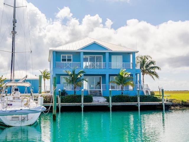 Single Family Home for Sale at Deep Water Canal Home West End, Freeport And Grand Bahama Bahamas
