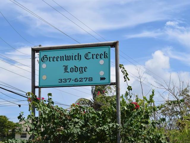 Comercial por un Venta en Greenwich Creek Lodg, Queen's Highway Cartwrights, Long Island Bahamas