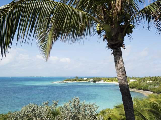 Casa Unifamiliar por un Venta en Coconut Palm Bay, On Coconut Palm Bay Man-O-War Cay, Abaco Bahamas