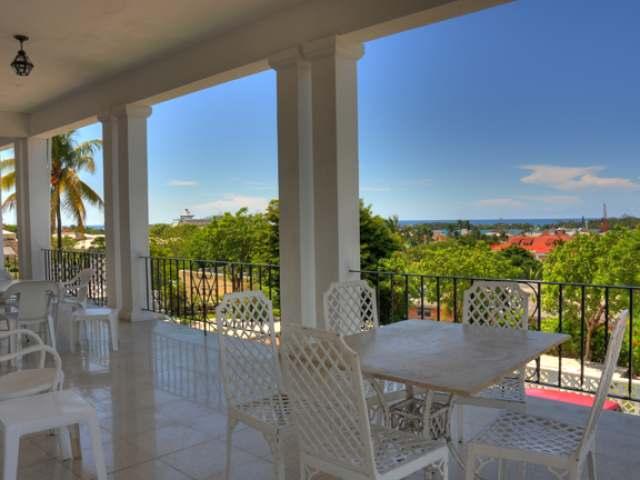 独户住宅 为 销售 在 Aelous House, Collins Ave Centreville, 新普罗维登斯/拿骚 巴哈马