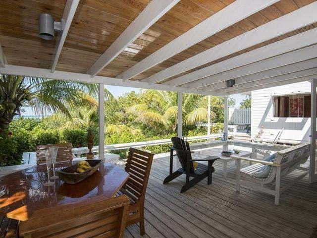 Casa Unifamiliar por un Venta en Whale Rider, Whale Rider Man-O-War Cay, Abaco Bahamas