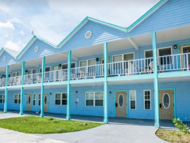 共管式独立产权公寓 为 销售 在 Palm Bay Unit #38 乔治城, 伊克苏马海 巴哈马