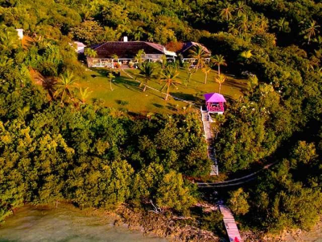 独户住宅 为 销售 在 Off Nesbitt Street Harbour Island, 伊路瑟拉 巴哈马