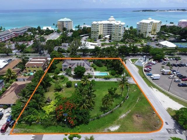 Single Family Home for Sale at Viking Court, Cambridge Avenue Westward Villas, Cable Beach, Nassau And Paradise Island Bahamas
