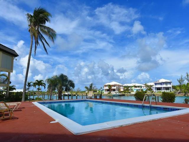 Condominio por un Venta en Freehold, Canalfront 2 Br Townhouse Bahamia South, Bahamia, Gran Bahama Freeport Bahamas
