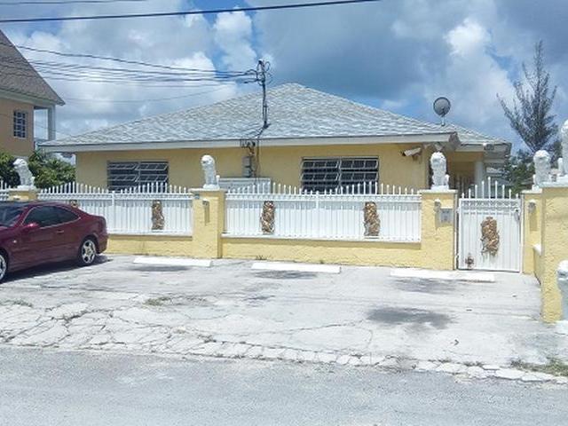 Casa Multifamiliar por un Venta en Off Tropical Gardens Road Other New Nassau And Paradise Island, Nueva Providencia / Nassau Bahamas
