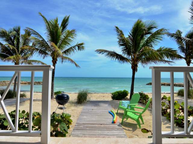 Single Family Home for Sale at Beachfront Townhome, Starfish Isle, Palm Cay Palm Cay, Yamacraw, Nassau And Paradise Island Bahamas