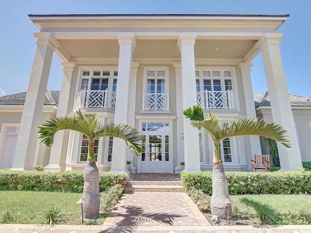 独户住宅 为 销售 在 Ocean Club Drive Ocean Club Estates, 天堂岛, 新普罗维登斯/拿骚 巴哈马