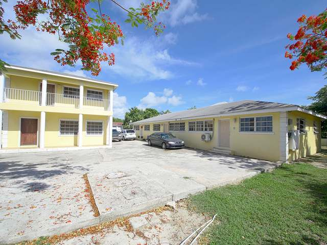 多户住宅 为 销售 在 Colony Village Prince Charles Drive, 新普罗维登斯/拿骚 巴哈马