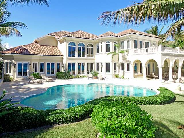 独户住宅 为 销售 在 Ocean Club Estates Ocean Club Estates, 天堂岛, 新普罗维登斯/拿骚 巴哈马