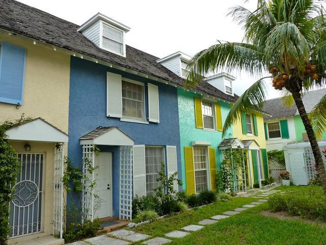 Condominio por un Alquiler en Harbour Mews Condo, Cable Beach Harbour Mews, Cable Beach, Nueva Providencia / Nassau Bahamas