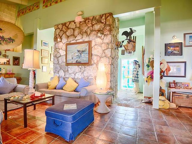 其它住宅 为 销售 在 Carriearl Hotel, Great Harbour Drive Great Harbour Cay, 贝里群岛 巴哈马