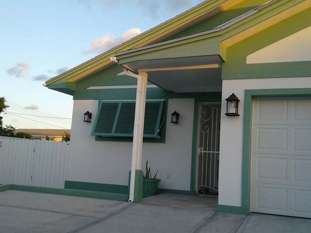 Multi-Family Home for Rent at Duplex apartment, Commonwealth East Bay Street, Nassau And Paradise Island Bahamas