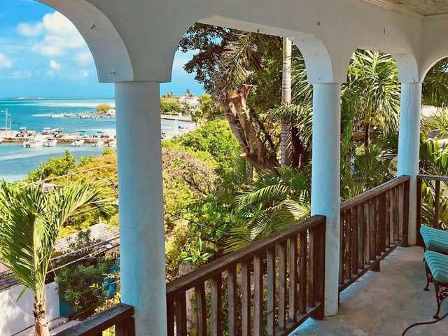 独户住宅 为 销售 在 Harbour View House, Bay Street Harbour Island, 伊路瑟拉 巴哈马