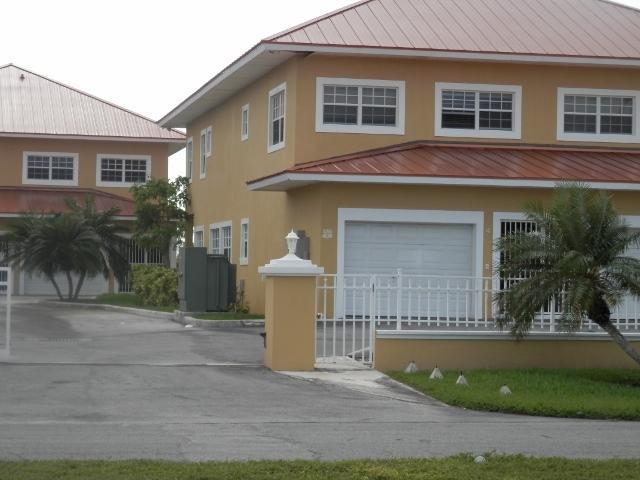 Condominio por un Venta en The Hampton, #4 Hampton Bahamia, Gran Bahama Freeport Bahamas