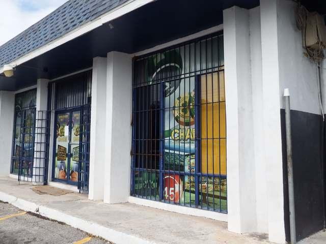 Comercial por un Venta en Rainbow Plaza Soldier Road Soldier Road, Nueva Providencia / Nassau Bahamas