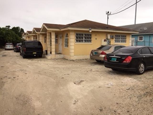 Casa Multifamiliar por un Venta en Pine Barren Road Prince Charles Drive, Nueva Providencia / Nassau Bahamas