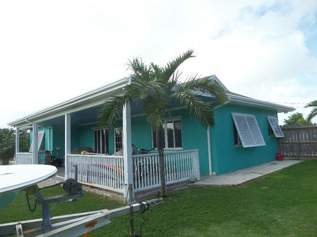 Casa Unifamiliar por un Venta en Well Maintained Hous, Cartwright's Cartwrights, Long Island Bahamas