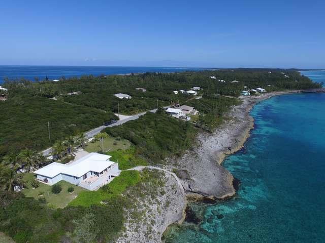 独户住宅 为 销售 在 Wandering Shore Drive 彩虹湾, 伊路瑟拉 巴哈马