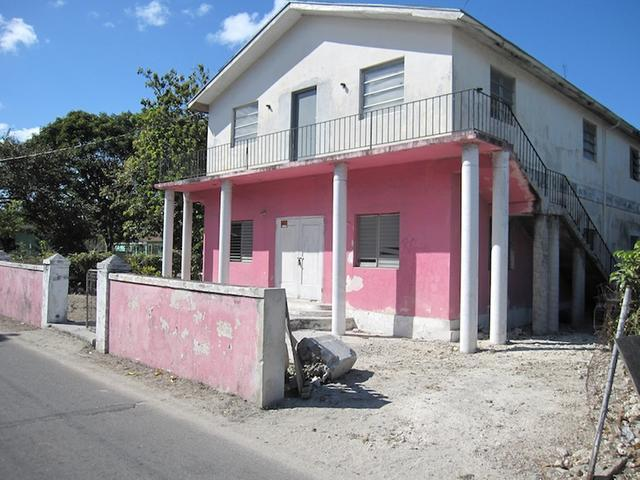 Comercial por un Venta en Lilly Of The Valley Corner East Street, Nueva Providencia / Nassau Bahamas