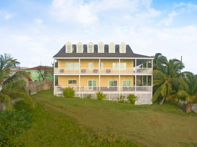 独户住宅 为 销售 在 SeaDream House, Off Dunmore St, Harbour Island, 伊路瑟拉 巴哈马