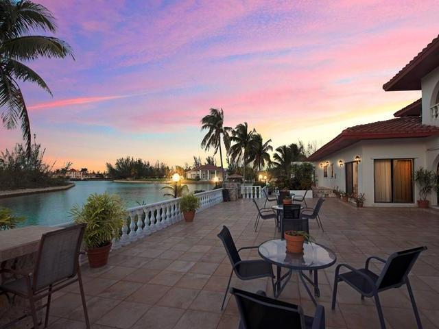 Single Family Home for Sale at Pine Bay Exec Villa, Villa Betta-Pine Bay Pine Bay, Freeport And Grand Bahama Bahamas
