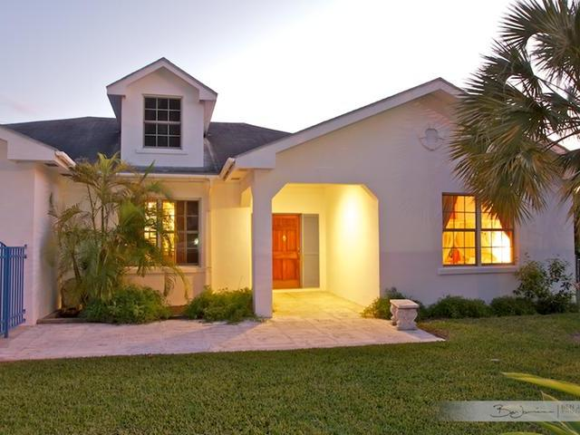 Single Family Home for Sale at Coral Harbour Beauty, Coral Harbour Coral Harbour, Nassau And Paradise Island Bahamas