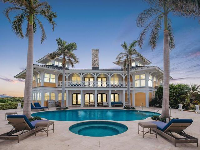 Casa Unifamiliar por un Venta en Aurora, Abaco Club Estate Home Winding Bay, Abaco Bahamas
