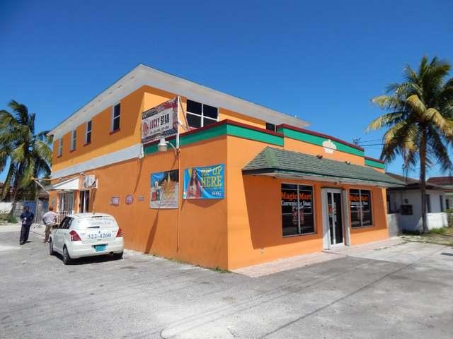 Comercial por un Venta en Commercial Building, Prince Charles Drive Prince Charles Drive, Nueva Providencia / Nassau Bahamas
