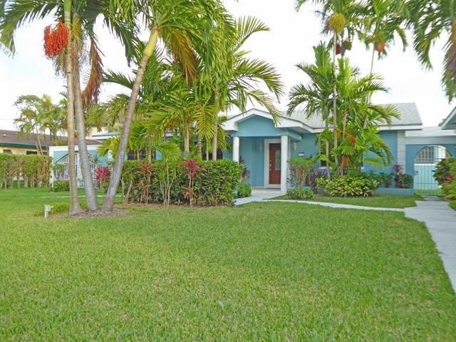 Single Family Home for Sale at Immaculate Home, 13 Dart View Close Nassau, Nassau And Paradise Island Bahamas