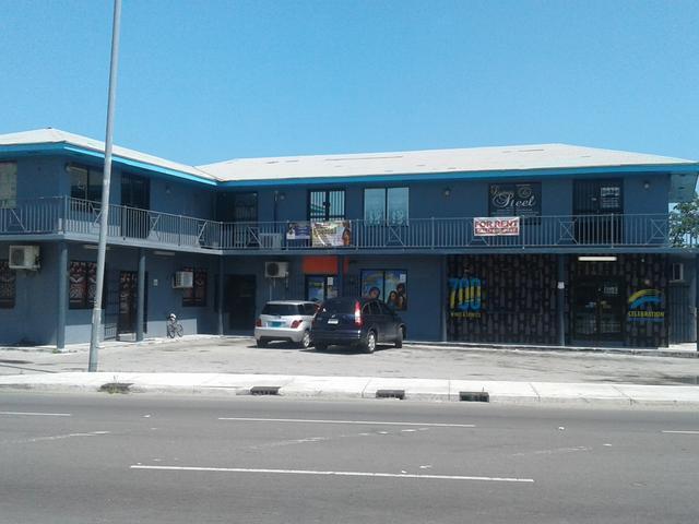 Comercial por un Venta en Robinson Road Plaza, Robinson Road East Street, Nueva Providencia / Nassau Bahamas