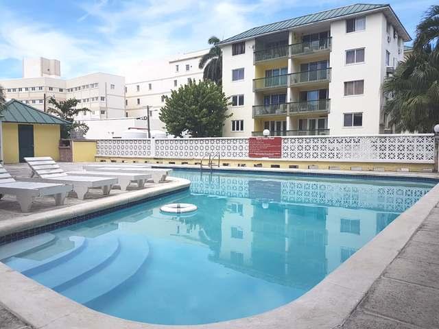 共管式独立产权公寓 为 销售 在 Town Court, Bay Street Bay Street, Downtown, 新普罗维登斯/拿骚 巴哈马