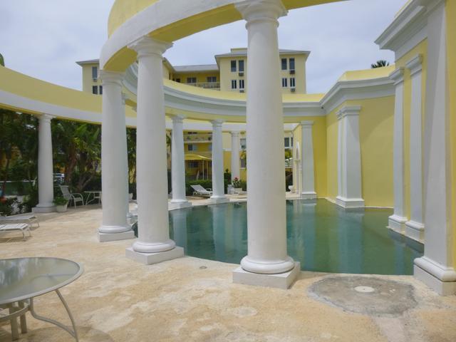 共管式独立产权公寓 为 销售 在 16 B Carefree Carefree, Cable Beach, 新普罗维登斯/拿骚 巴哈马