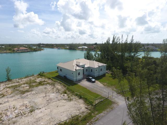 Casa Unifamiliar por un Venta en EMERALD BAY HOME, Waterfront - Emerald Bay Other Freeport And Grand Bahama, Gran Bahama Freeport Bahamas