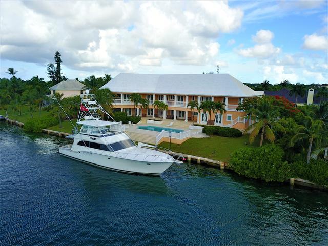 Casa Unifamiliar por un Venta en Poinciana House, Rainbow Road Lyford Cay, Nueva Providencia / Nassau Bahamas