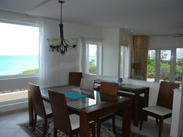 Condominio por un Alquiler en Mira Mar Villas, Ocean Ridge Drive Paradise Island, Nueva Providencia / Nassau Bahamas