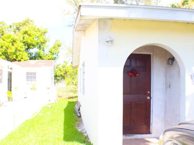 Single Family Home for Sale at 20 Malcolm Road East Street, Nassau And Paradise Island Bahamas