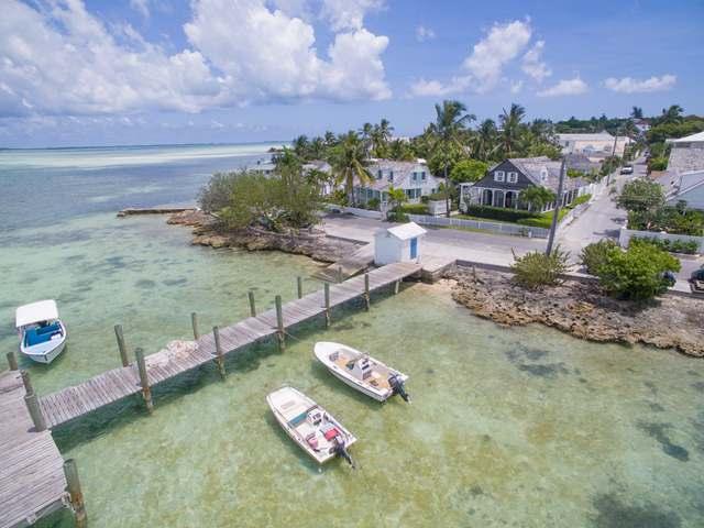 独户住宅 为 销售 在 Rosebud Cottage, Bay & Princess Streets Harbour Island, 伊路瑟拉 巴哈马