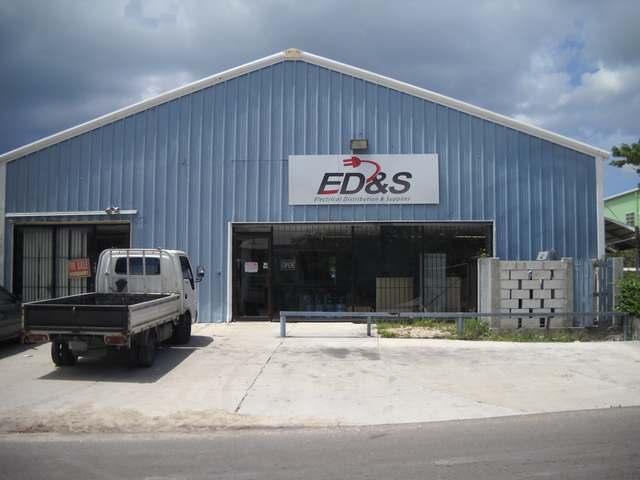 Comercial por un Venta en Crawford Street Oakes Field, Nueva Providencia / Nassau Bahamas