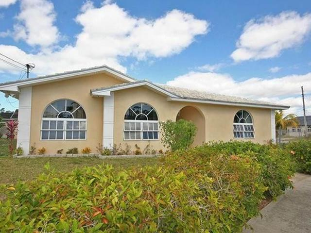 Single Family Home for Rent at Duke's Drive Rental, Duke's Drive Arden Forest, Freeport And Grand Bahama Bahamas