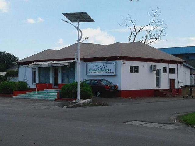 商用 为 销售 在 Palmdale Commercial, Bradley Street Palmdale, 新普罗维登斯/拿骚 巴哈马