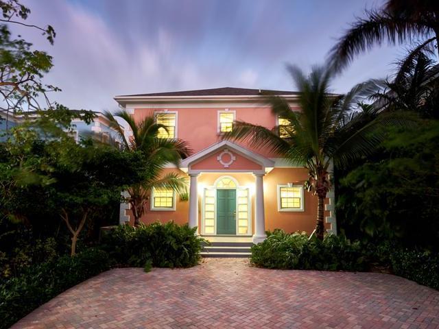Casa Unifamiliar por un Venta en 6 Coral Beach, Sandyport Sandyport, Cable Beach, Nueva Providencia / Nassau Bahamas