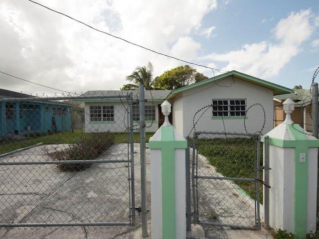 Single Family Home for Sale at Three Br Sunshine Park Blue Hill Road, Nassau And Paradise Island Bahamas