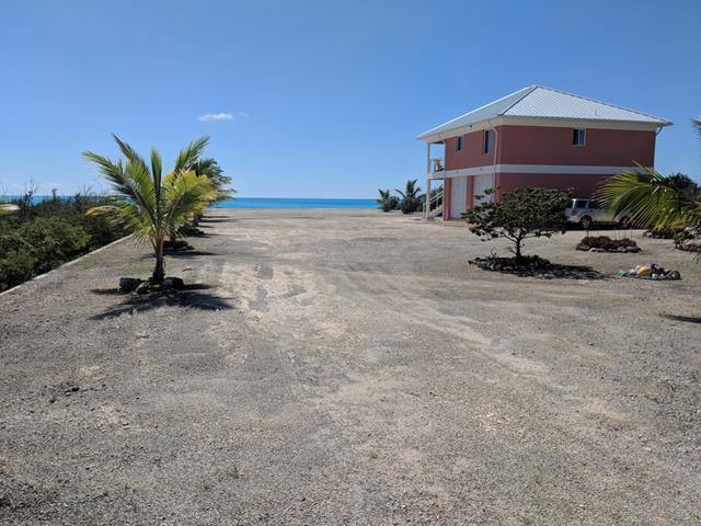 Casa Unifamiliar por un Venta en Turnbull Beachfront Home Turnbull, Long Island Bahamas