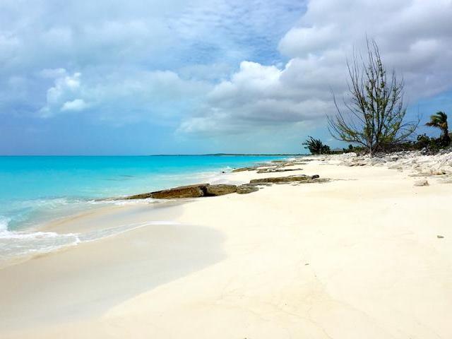 Casa Unifamiliar por un Venta en Galloway Beachfront Home Galloway Landing, Long Island Bahamas