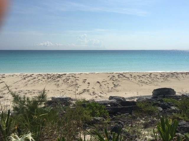 Terreno por un Venta en Beachfront Lot, Great Harbour Cay Great Harbour Cay, Islas Berry Bahamas
