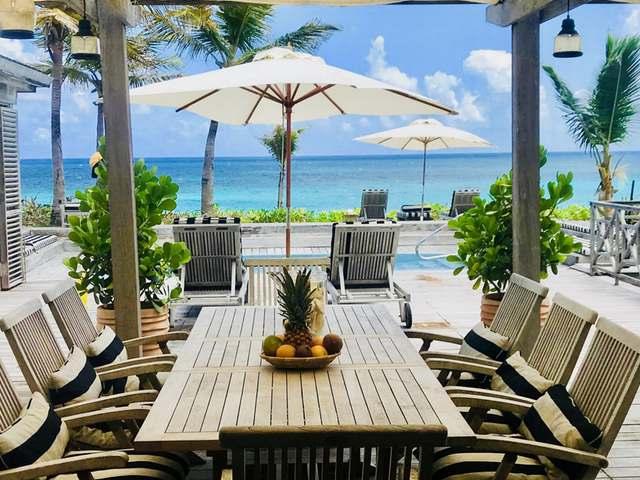 Casa Unifamiliar por un Venta en Sandbank Ocean Villa, Off Queen's Highway Harbour Island, Eleuthera Bahamas