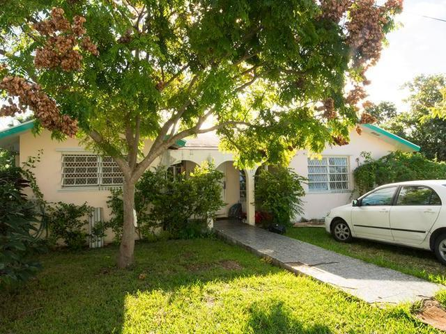 Single Family Home for Sale at Glengriff 3 Br Home, 3 Br Off Eastern Rd East Bay Street, Nassau And Paradise Island Bahamas