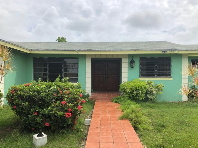 Casa Unifamiliar por un Venta en Sea Breeze Sea Breeze, Nueva Providencia / Nassau Bahamas